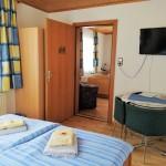 2. Schlafzimmer mit Zwischentüre