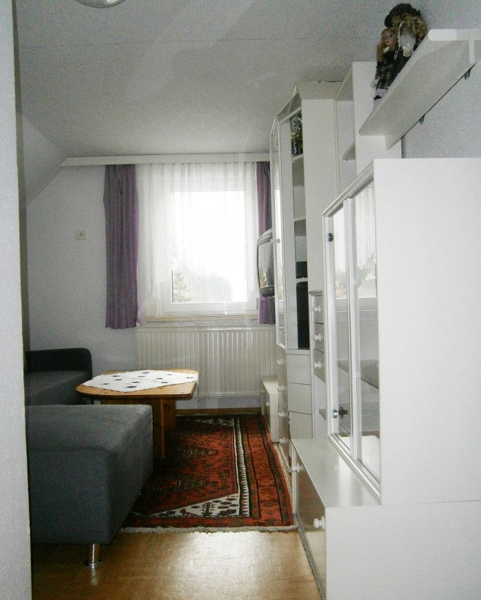 Wohnzimmer trennt die 2 Schlafzimmer